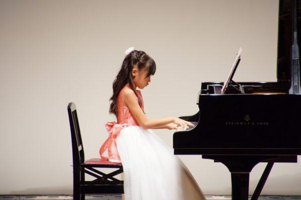 フェリーチェピアノ教室の小学生のレッスン