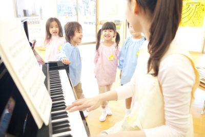 フェリーチェピアノ教室の保育士の為のピアノレッスン